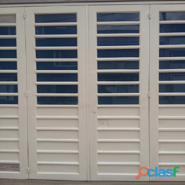 Porton garaje, ornamentacion, cerramientos, puertas, rejas, hierro, f