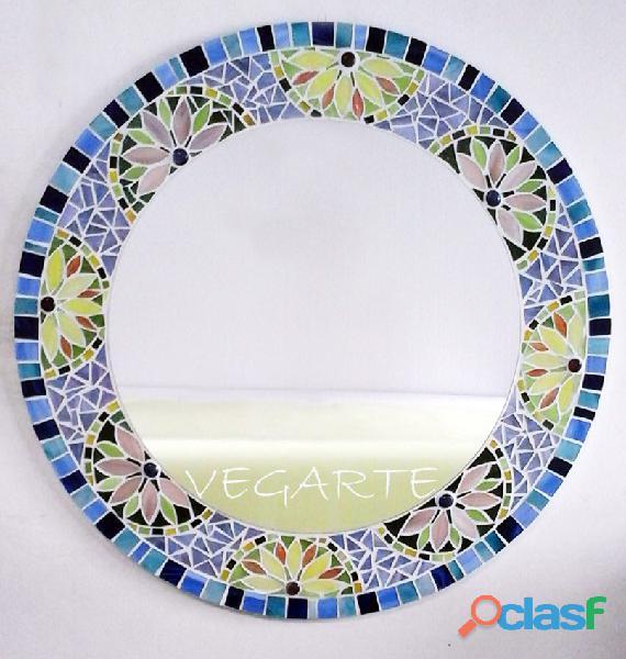 Espejo mosaico funcional y decorativo