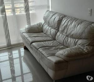 Sofá de 3 cuerpos en cuero