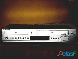 Novedoso equipo dos en uno dvd y vhs marca samsung poco uso ideal para grabaciones de tv futbol etc