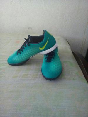59ff4be1a294f Zapatos futbol   REBAJAS Abril