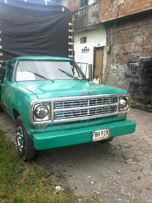 camioneta con carrocería de estacas - Pereira