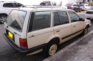 Camioneta mazda 323 station wagon, 5 puertas - bucaramanga