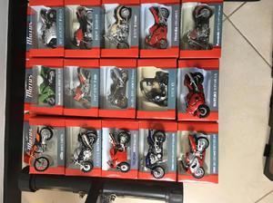 Colección de motos y carros el tiempo - envigado
