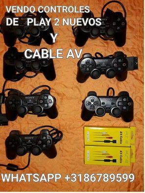 Vendo espectaculares controles para play 2 y cable av