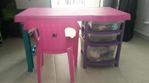 Remato escritorio infantil perfecto estado con silla for Silla escritorio nina