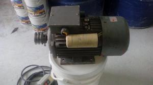 Motor electrico monofasico de 4 hp a 22o, perfecto estado