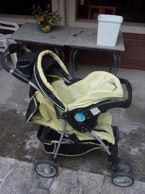 a2fede811 Coche para bebe con asiento para carro - medellín