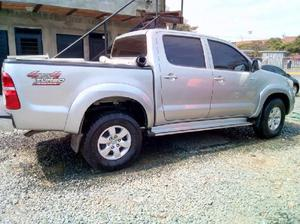 Toyota hilux 4×4 turbo diesel - cali