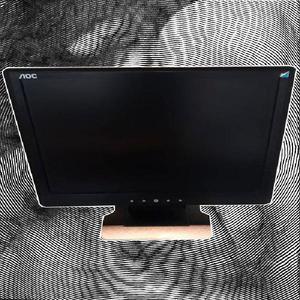 Monitor lcd marca aoc de 15'x13' en excelente estado. -