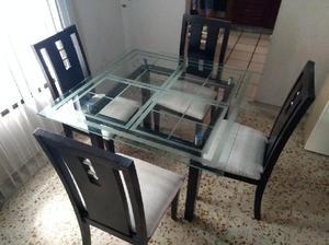 Comedor madera puestos vidrio clasf for Comedor 4 puestos vidrio