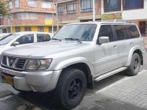 Nissan patrol [y61] grx mt 4500cc 5p