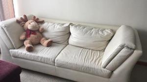 Sofa puestos cuero [ANUNCIOS agosto] | Clasf