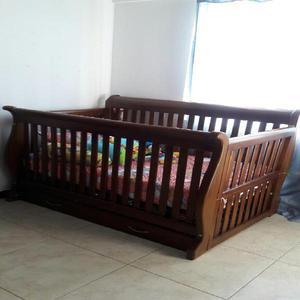 Cuna de madera, colchón, toldillo y reja - medellín