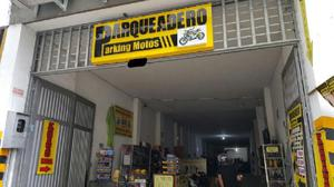 Se vende negocio, parqueadero de motos centro de pereira. -