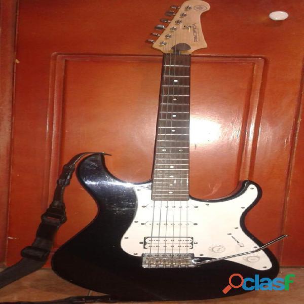 Vendo un amplificador fender, un amplificador marshall mg 15 y guitarra electrica yamaha pacifica
