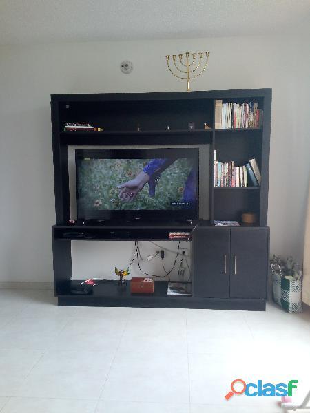 """Vendo smart tv samsug 48"""" con mueble en madera"""