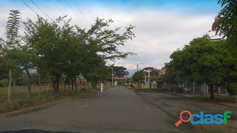 Se vende excelente lote en conjunto residencial country plaza jamundi