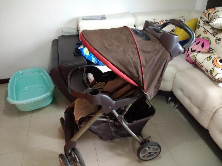 31f5127c6 Coche graco usado porta bebe con base carro y paseador inf en Cali ...
