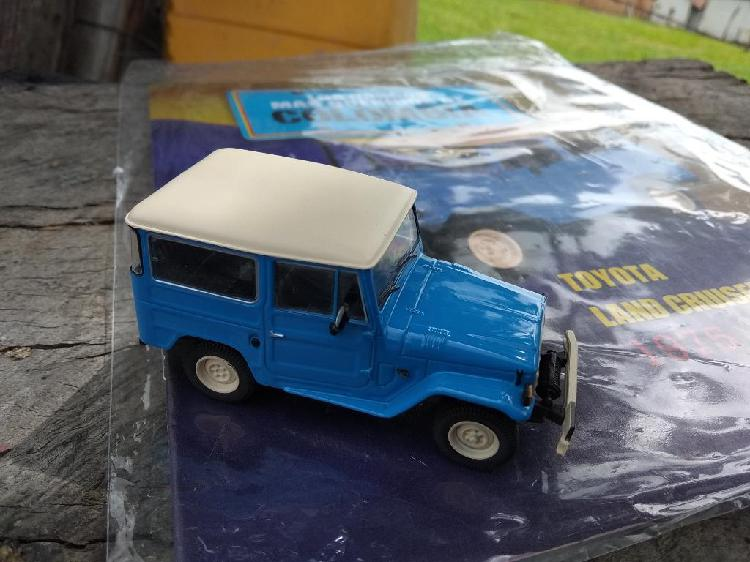 Toyota land cruiser a escala 1/43