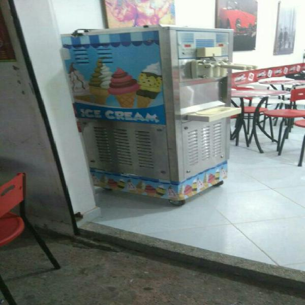 Maquina de helado suave
