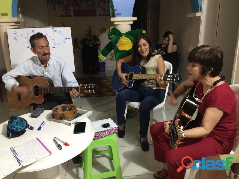 Guitarra, ukelele, orgneta