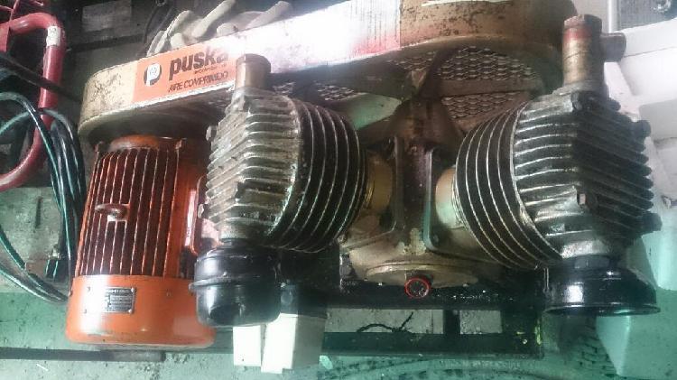 Compresor de dos cabezotes con motor eléctrico trifasico y