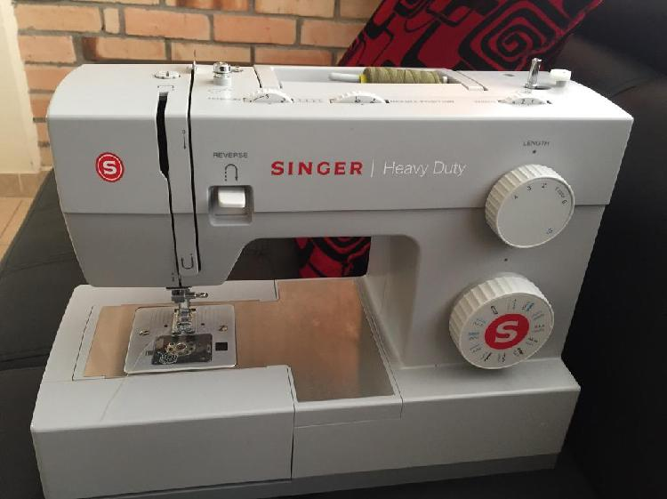 Maquina de coser industrial singer 4423