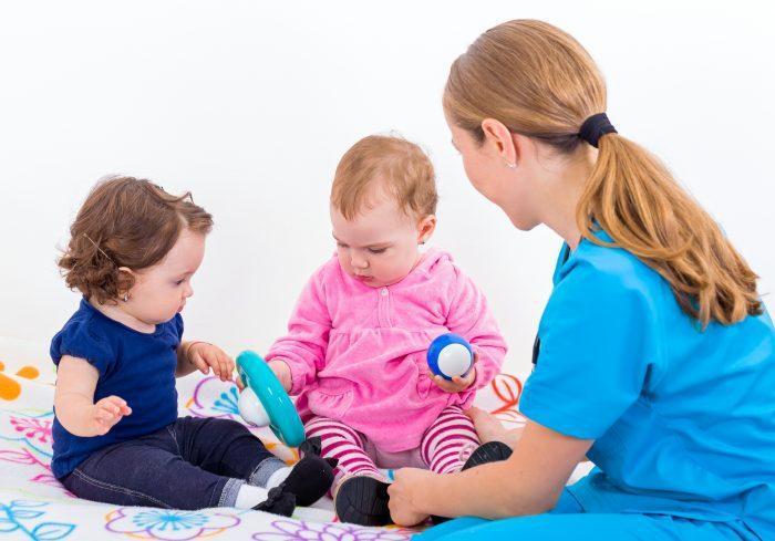 Cuidado de niños, ayuda en tareas y responsabilidades