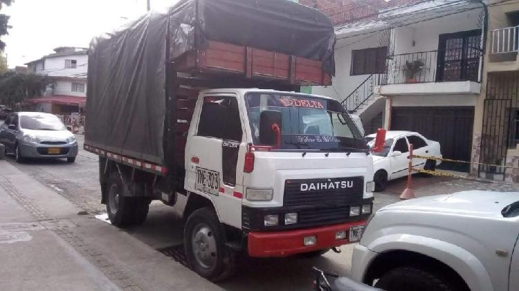 Daihatsu delta estacas mod.96