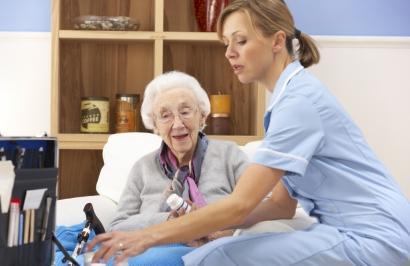 Ofrezco servicios cuidado de niños y adulto mayor cali