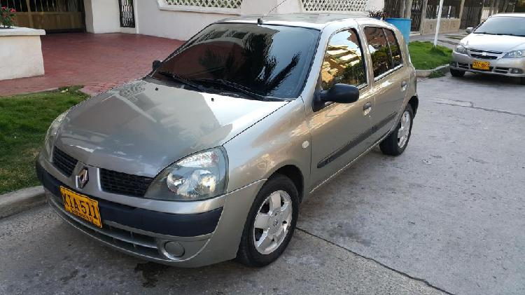 Renault clio automatico 1.6/ 2.012