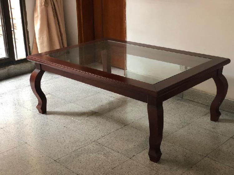 Mesa centro sala de vidrio y madera
