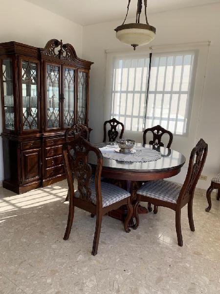 Comedor clásico 6 puestos y vitrina en Cartagena De Indias ...