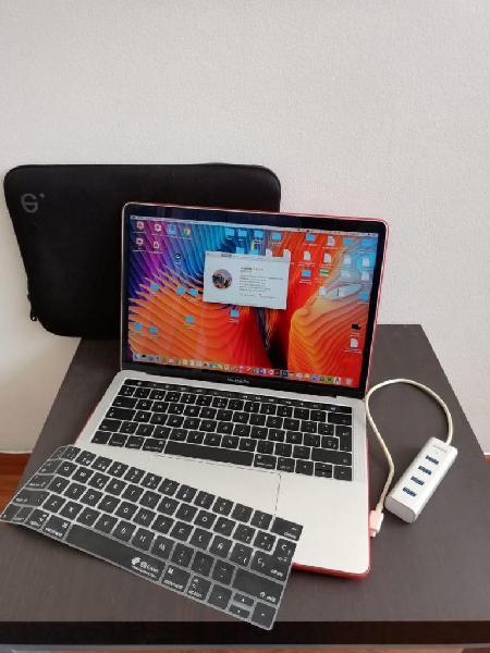 Macbook pro touch bar en perfecto estado