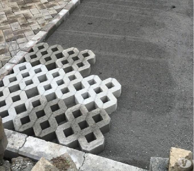 Instalación de adoquines y bloques decorativos