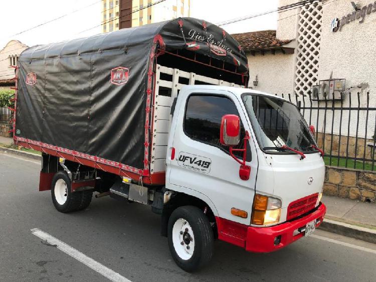 Camión hyundai hd 65 motor 3.2 c.c 2006. carroceria 4.30 mt