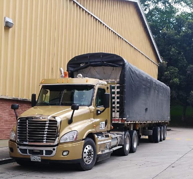 Vendo freightliner cascadia 2012 trabajando 315 543 7676