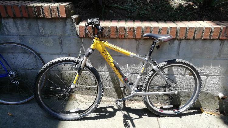 Bicicleta todo terreno trek 4300, full.