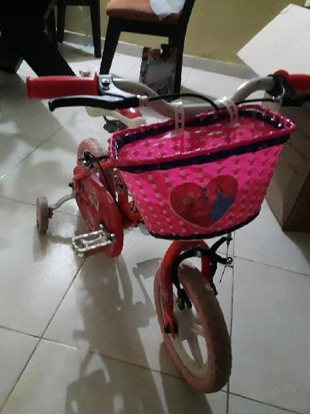 Bicicleta para niña en excelente estado