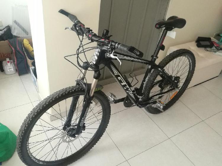 Bicicleta mtb rin 27.5