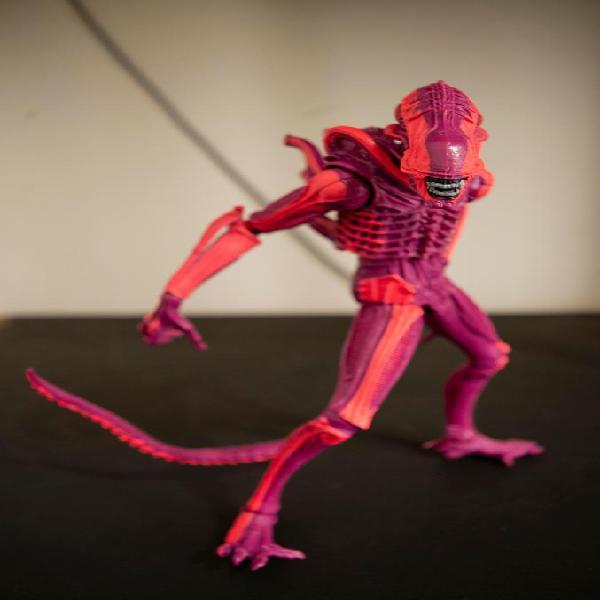 Figura alien neca 7 pulgadas 24 cm