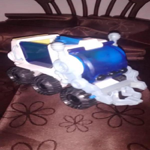 Juguete carro espacial fisher price... $30.000