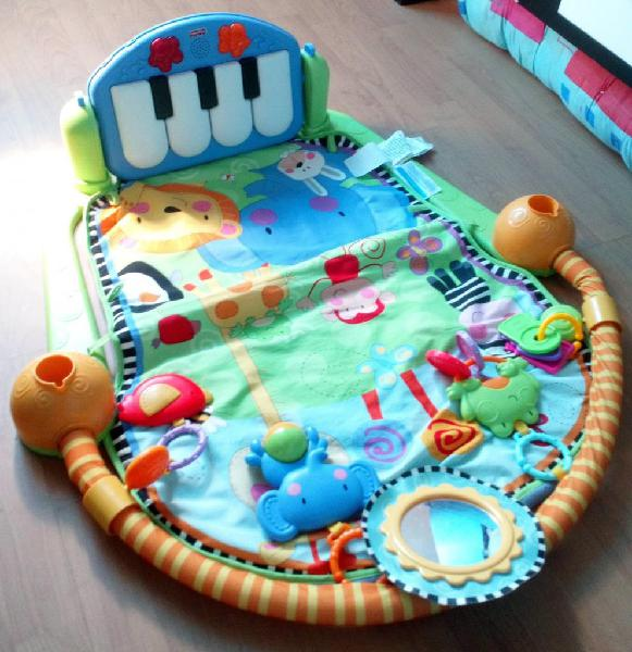 Gimnasio musical piano fisher price $120.000