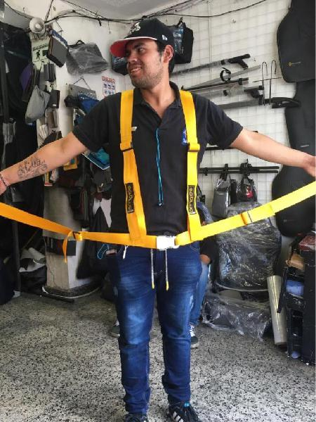Cinturones deportivos chapa press avion