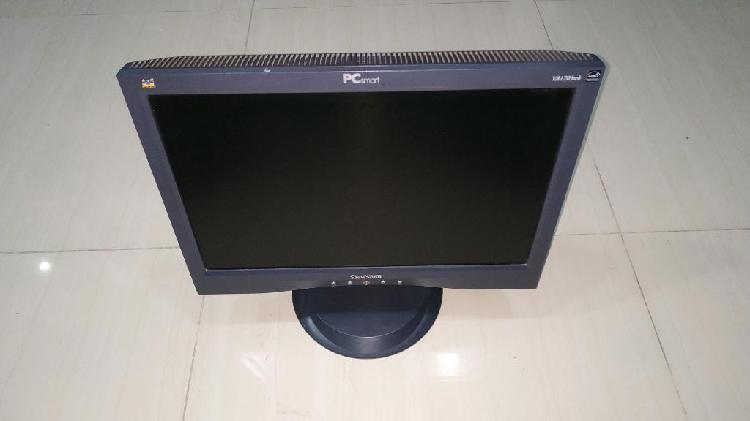 Monitor 17 pulg pc smart con cable vga