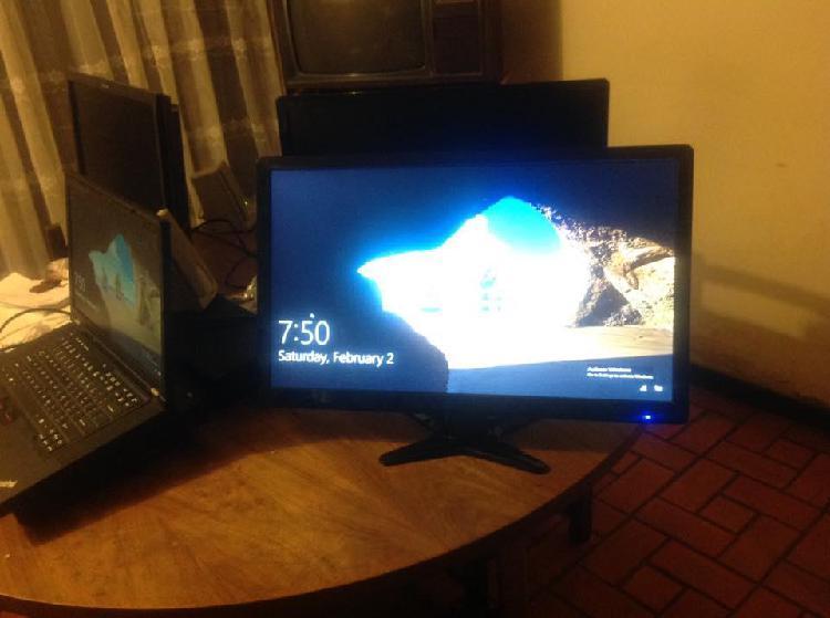 Monitor led acer 21 pulgadas pantalla en perfecto estadomnm