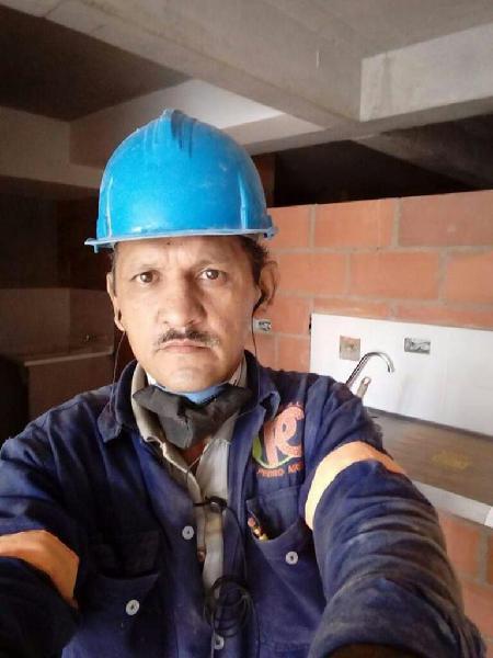 Oficial d construcción plomero enchapado