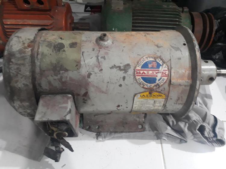 Motor trifasico 7.5 hp 3400 rpm 220/440