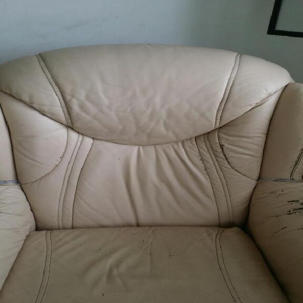 Muebles finos en cuero